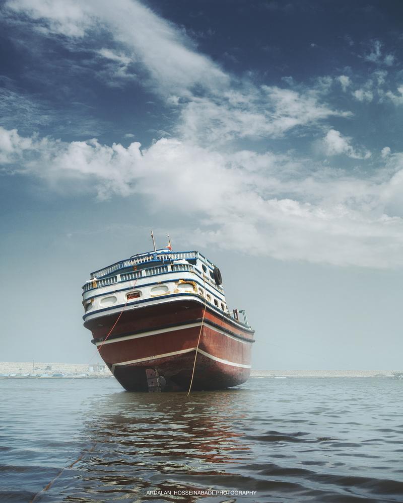 Fishing Boat by ardalan hosseinabadi