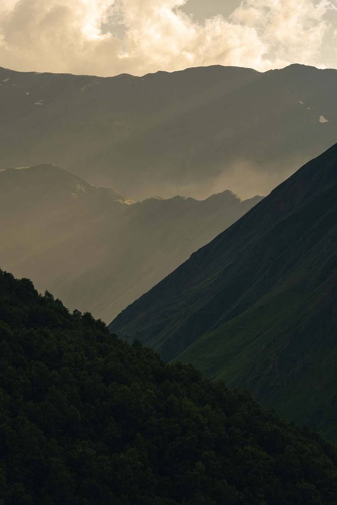 Juta Mountains by Hassan Kilani