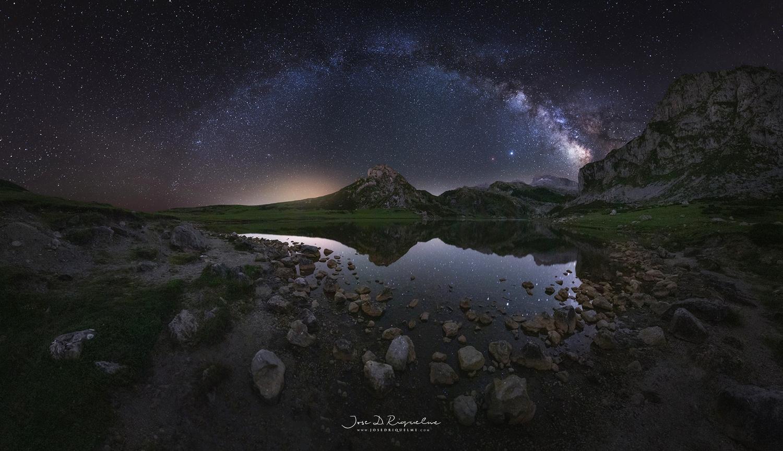 Lago de la Ercina by José D. Riquelme