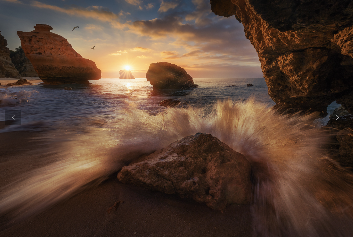 Praia Marinha by José D. Riquelme