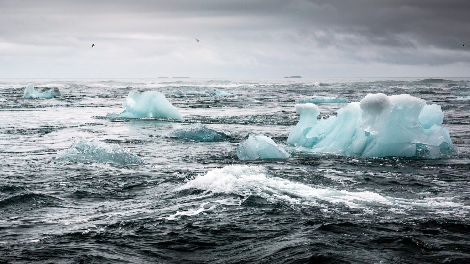 Ice from the land by Philippe Clairo