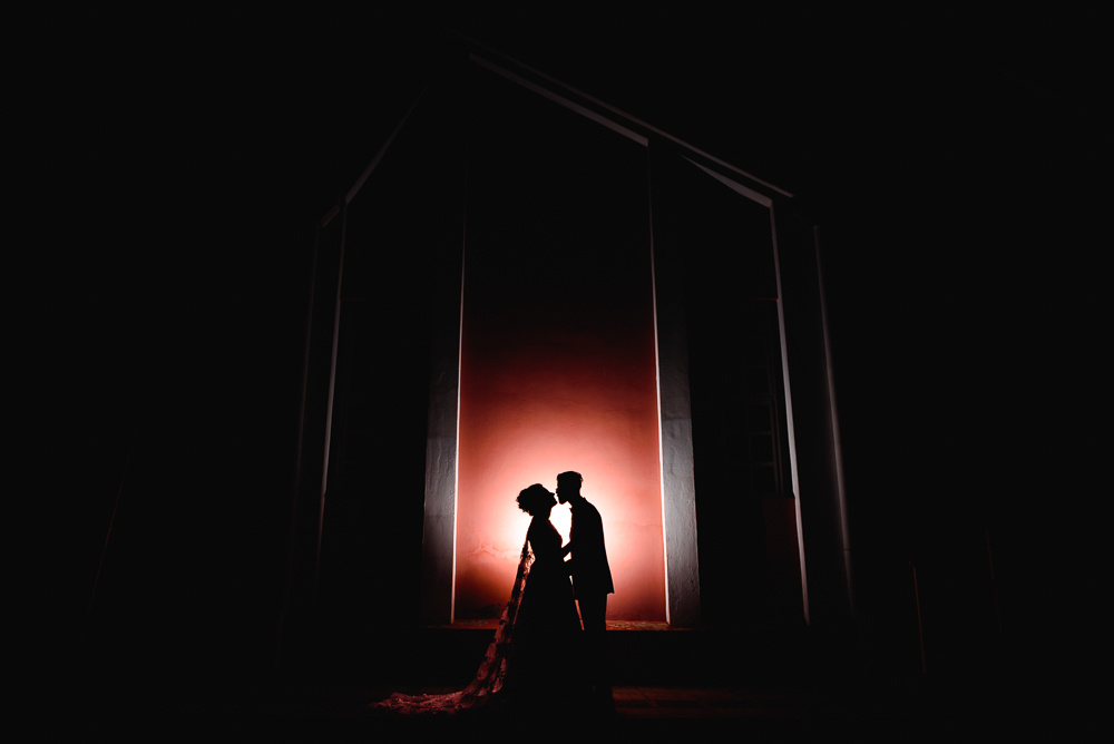 Bride and groom silhouette by Diego Dahmer