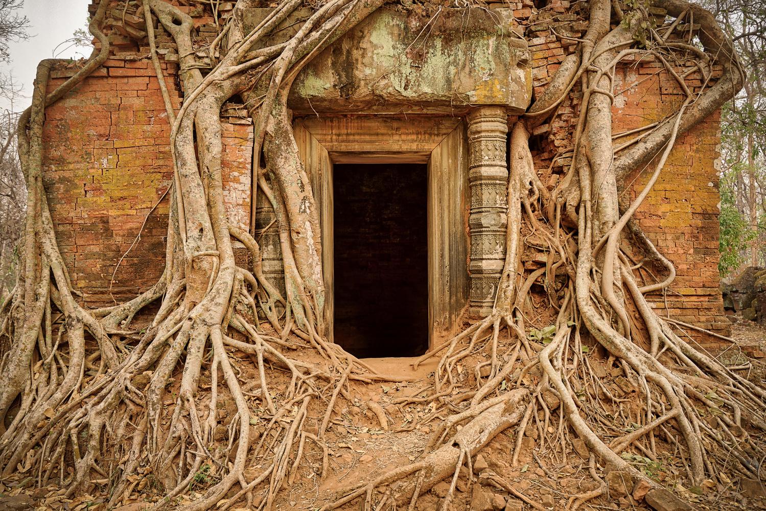 Prasat Pram Entrance by Gabe Taviano
