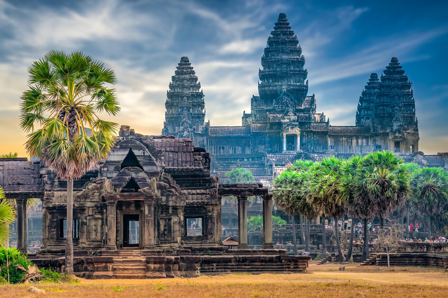 Morning light at Angkor Wat by Gabe Taviano