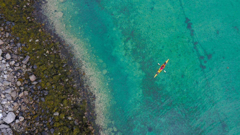 Kayaking in Lofoten by Peder Kongshaug