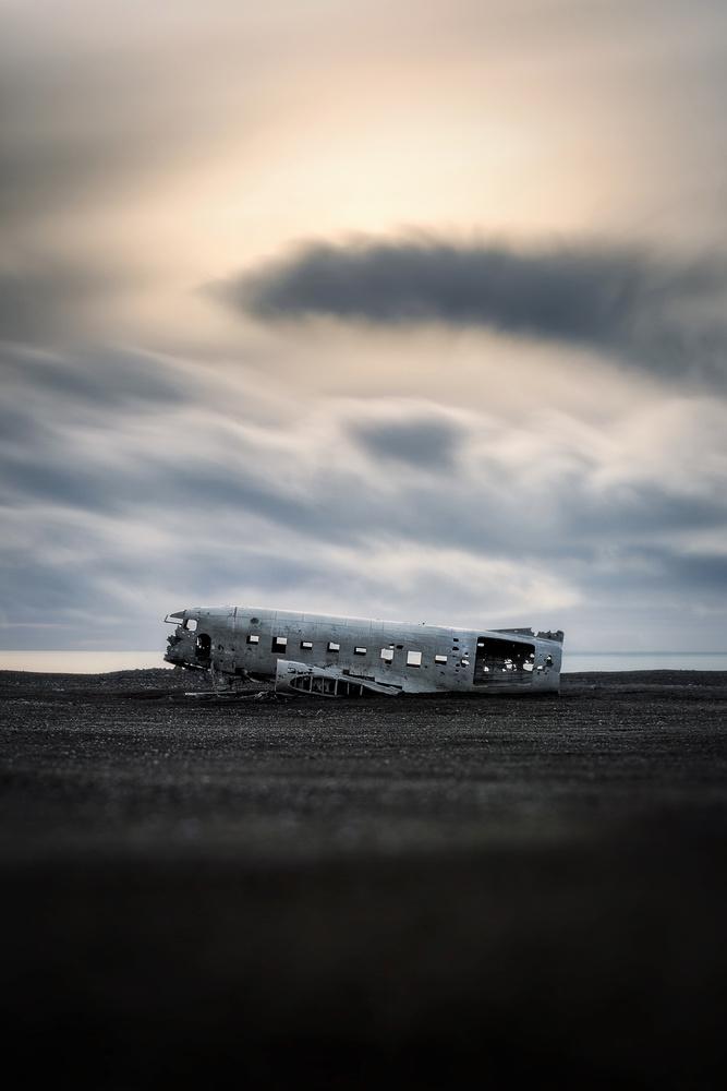 Wreck by Jakob Alecu de Flers