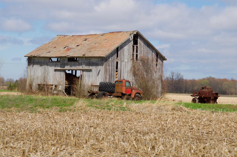 Oberlin Barn by Eric Kremer
