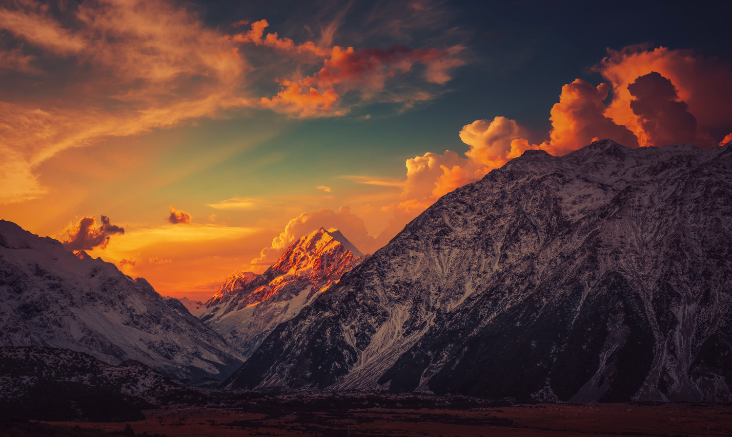 Suntset Mt. Cook by Alex Hill
