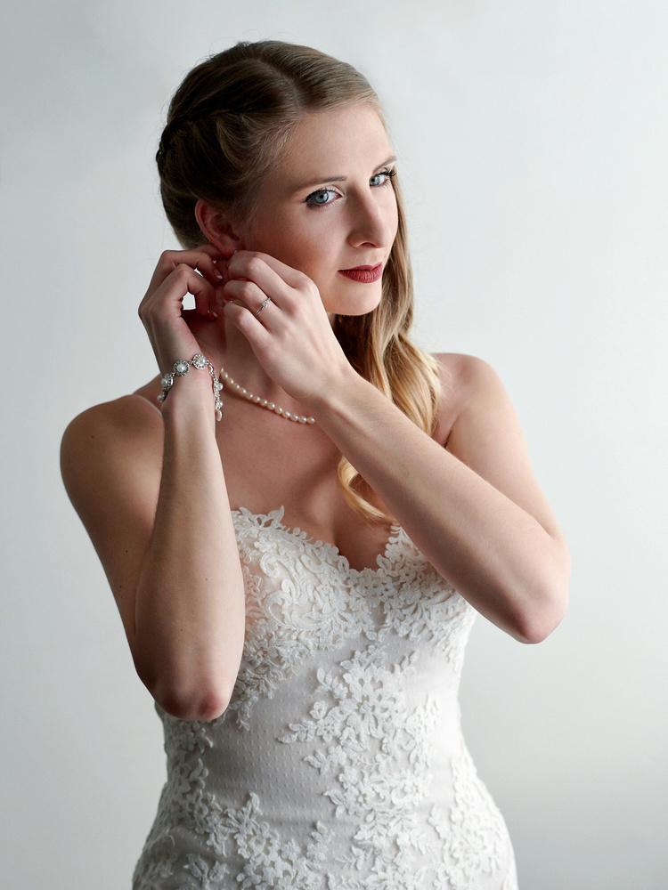 Bride portrait by robert demeter