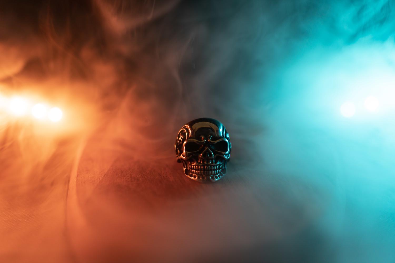 Skull ring by Carlo Deketelaere