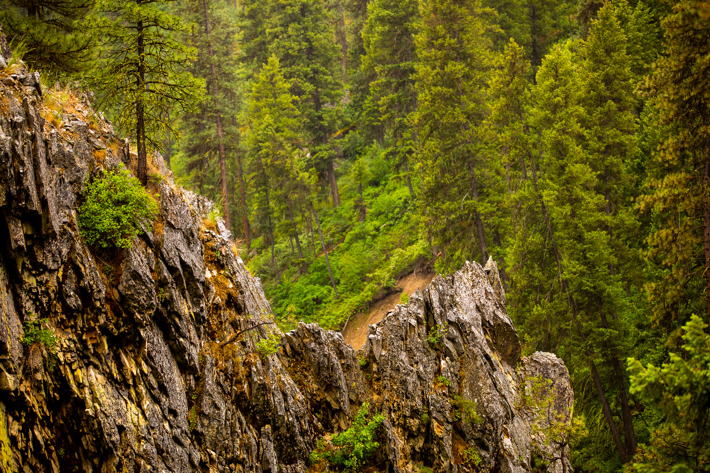Rock cliffs by BENJAMIN THOMPSON