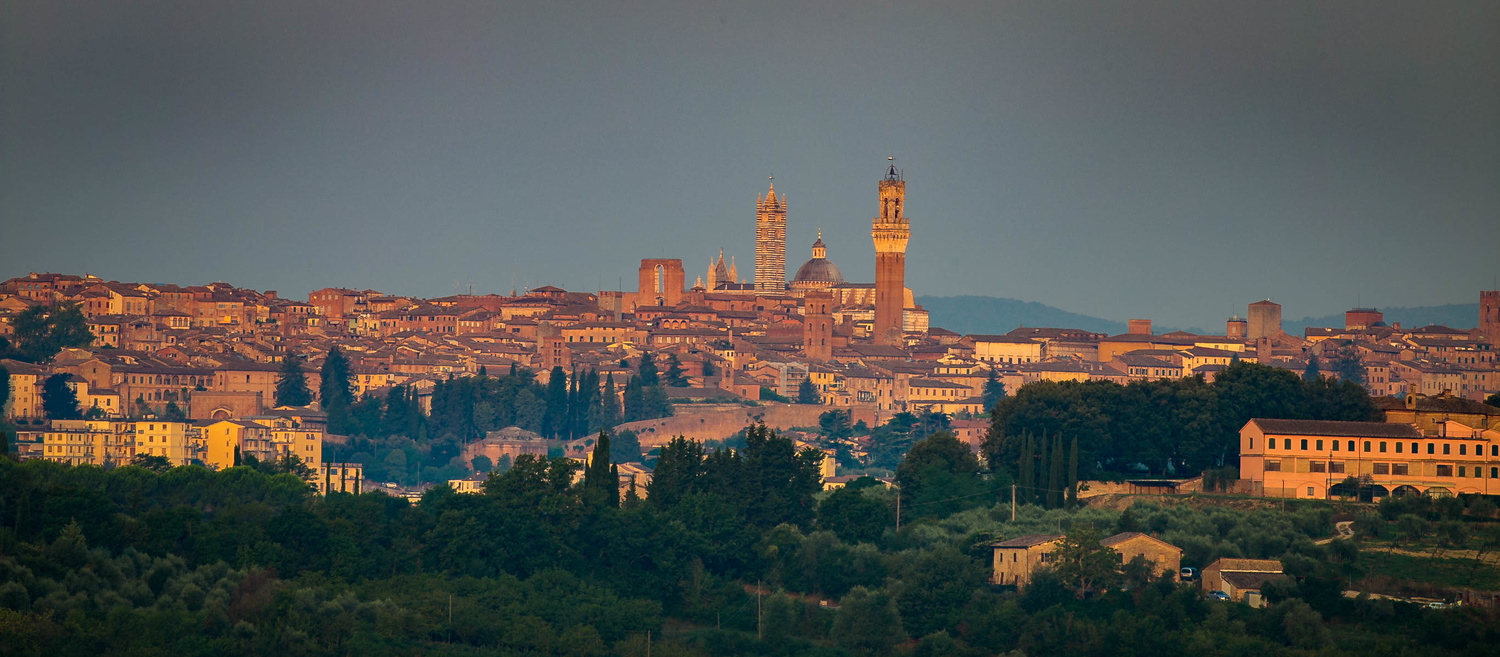 Tuscan hill town by Victor Jolley