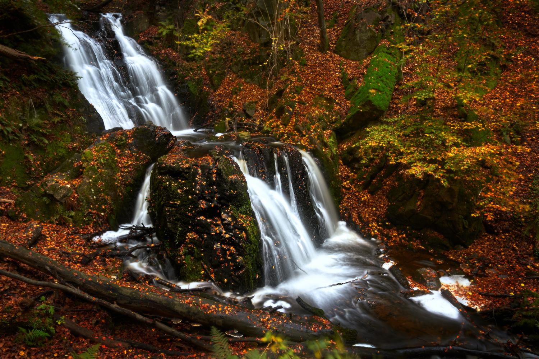 Forsakar Lower Falls by Peter Strøiman