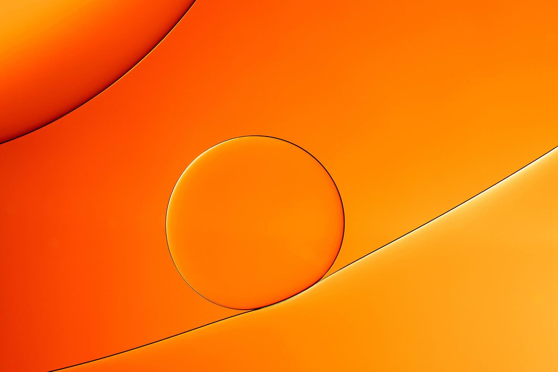 Oil on water orange by Hans van Voorst