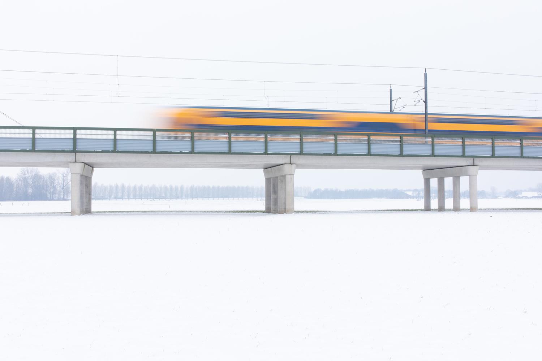 Yellow train by Hans van Voorst
