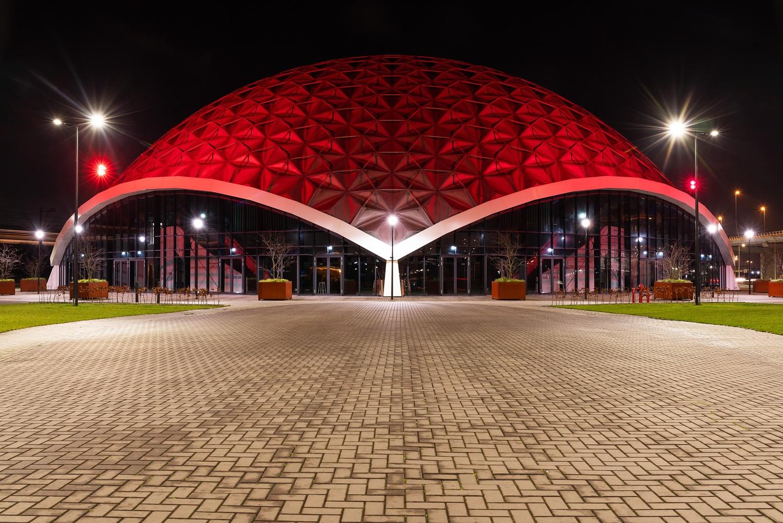 Red buiding by Hans van Voorst