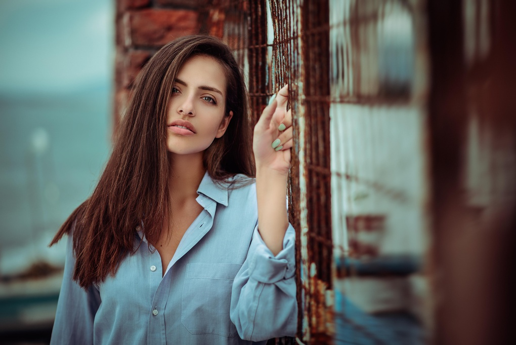 Look into my eyes by Manthos Tsakiridis
