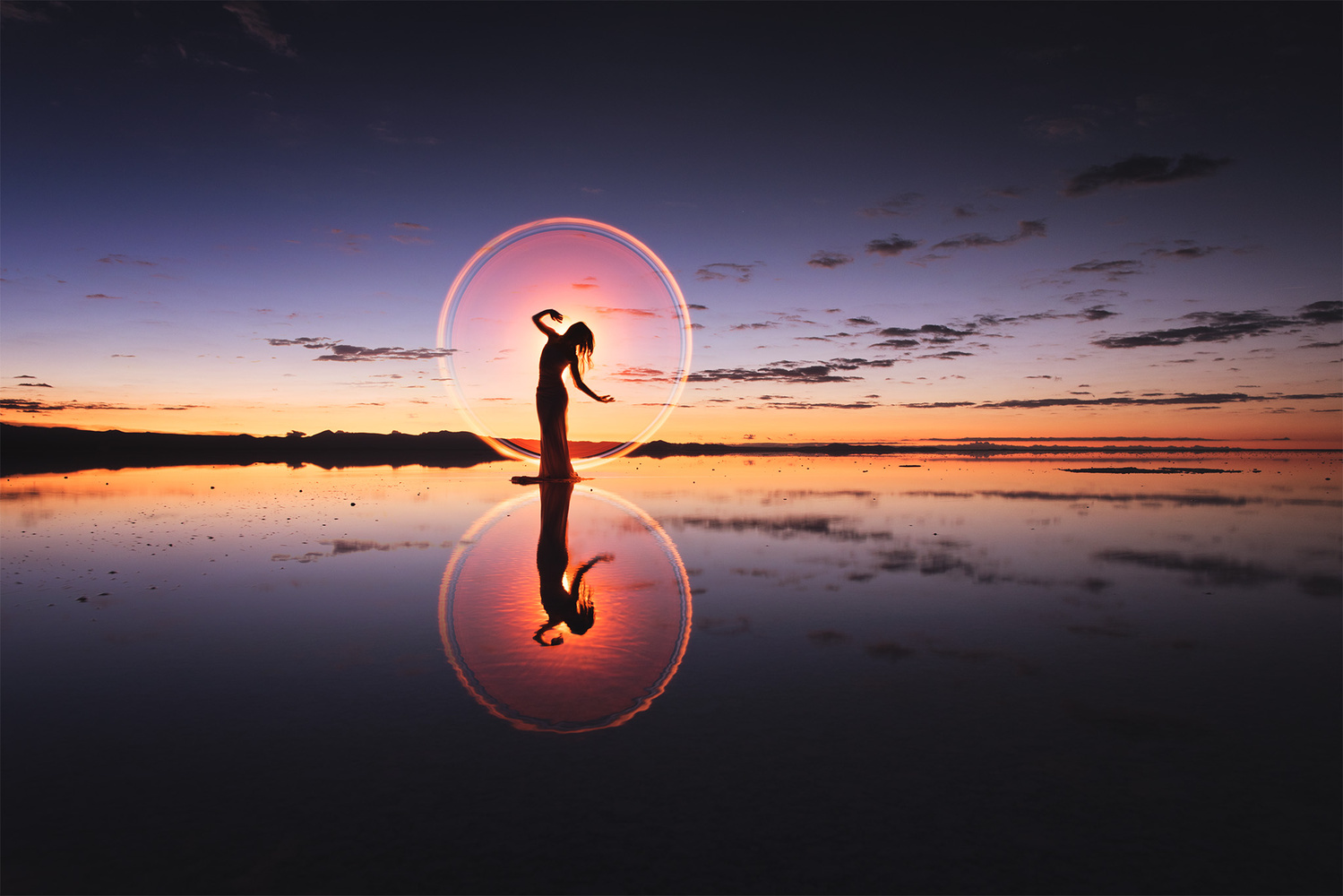 Light-painting in Uyuni by Eric Pare