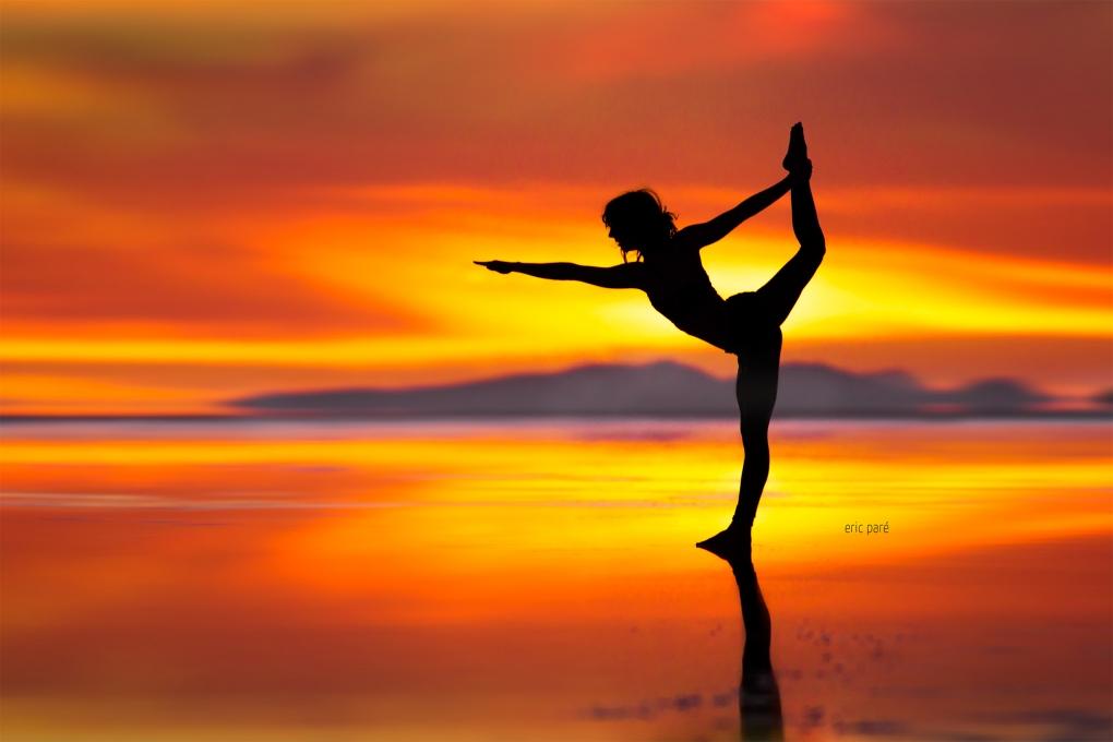 Yoga in Uyuni by Eric Pare