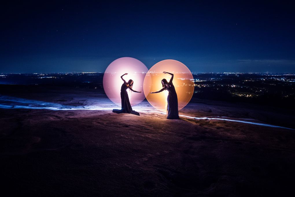 Duo light-painting by Eric Pare