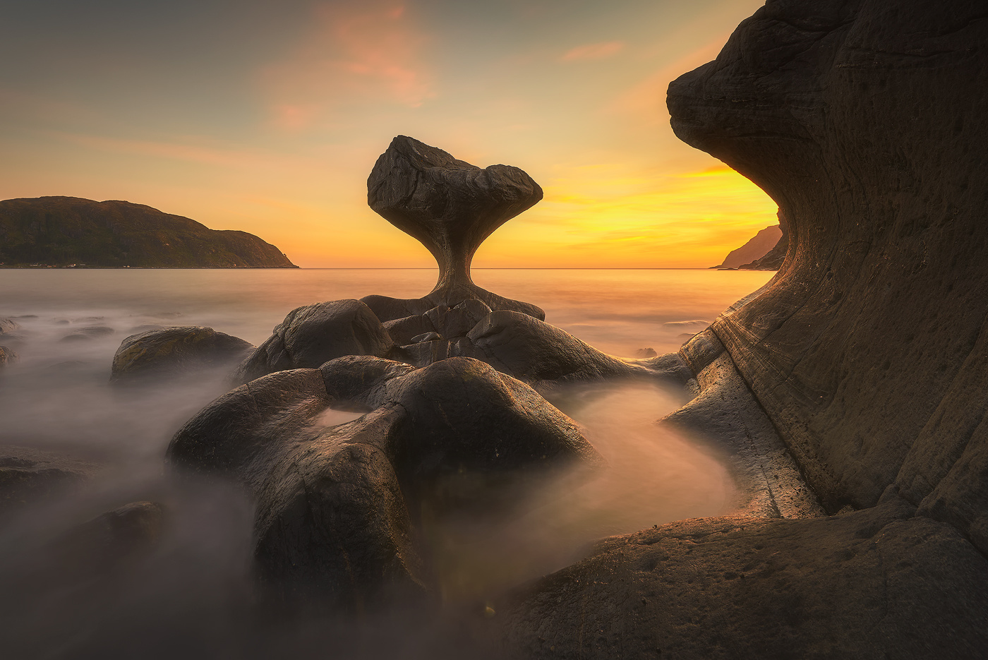 Kannesteinen by Rafal Kani