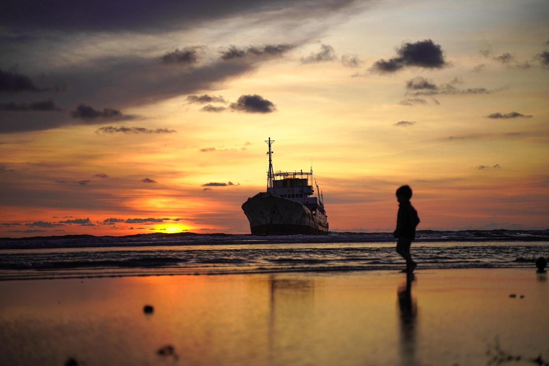 The seashore by Jayesh Marangad