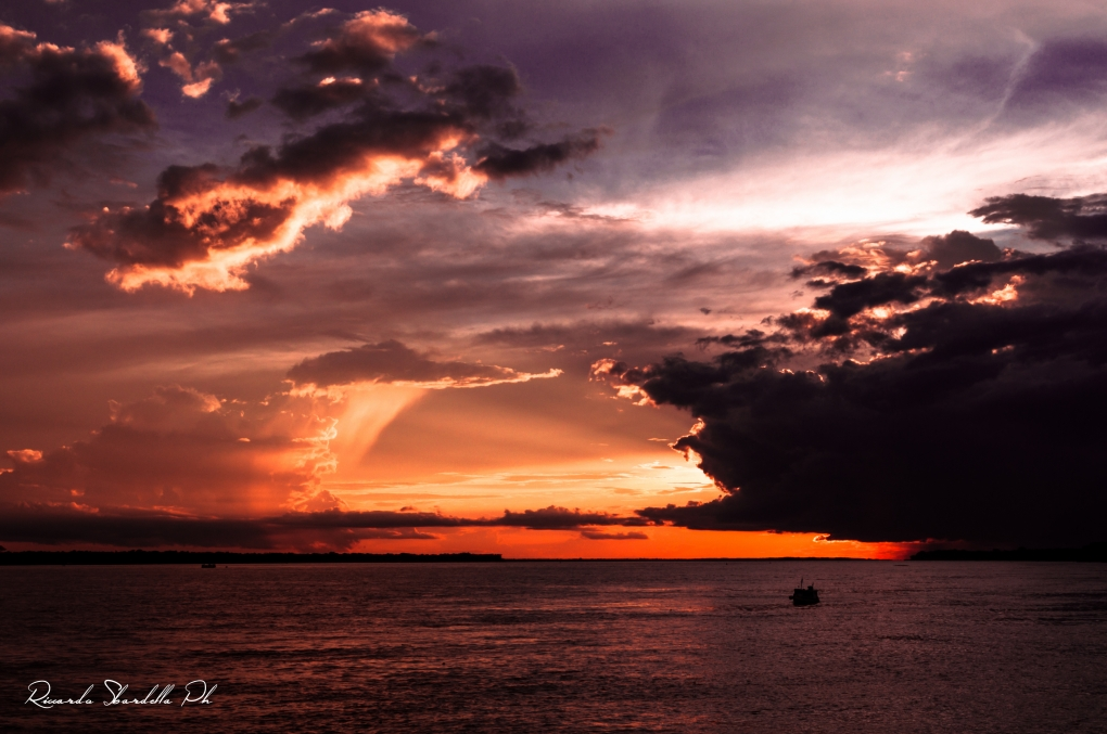 Indipendence day on the Amazon by Riccardo Sbardella