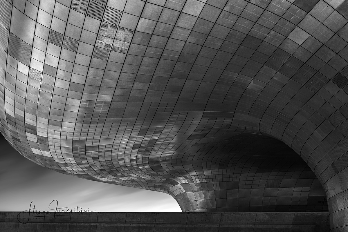 The Dongdaemun Design Plaza by Hanaa Turkistani