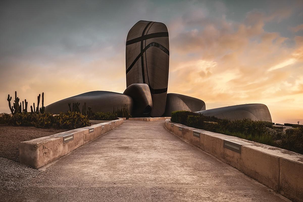 Sculpture & atmosphere by Hanaa Turkistani