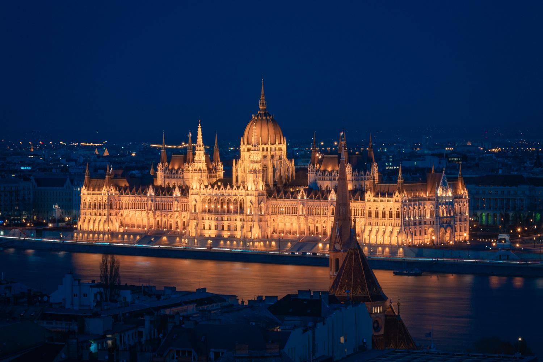 Parliament lights by Efren Yanes