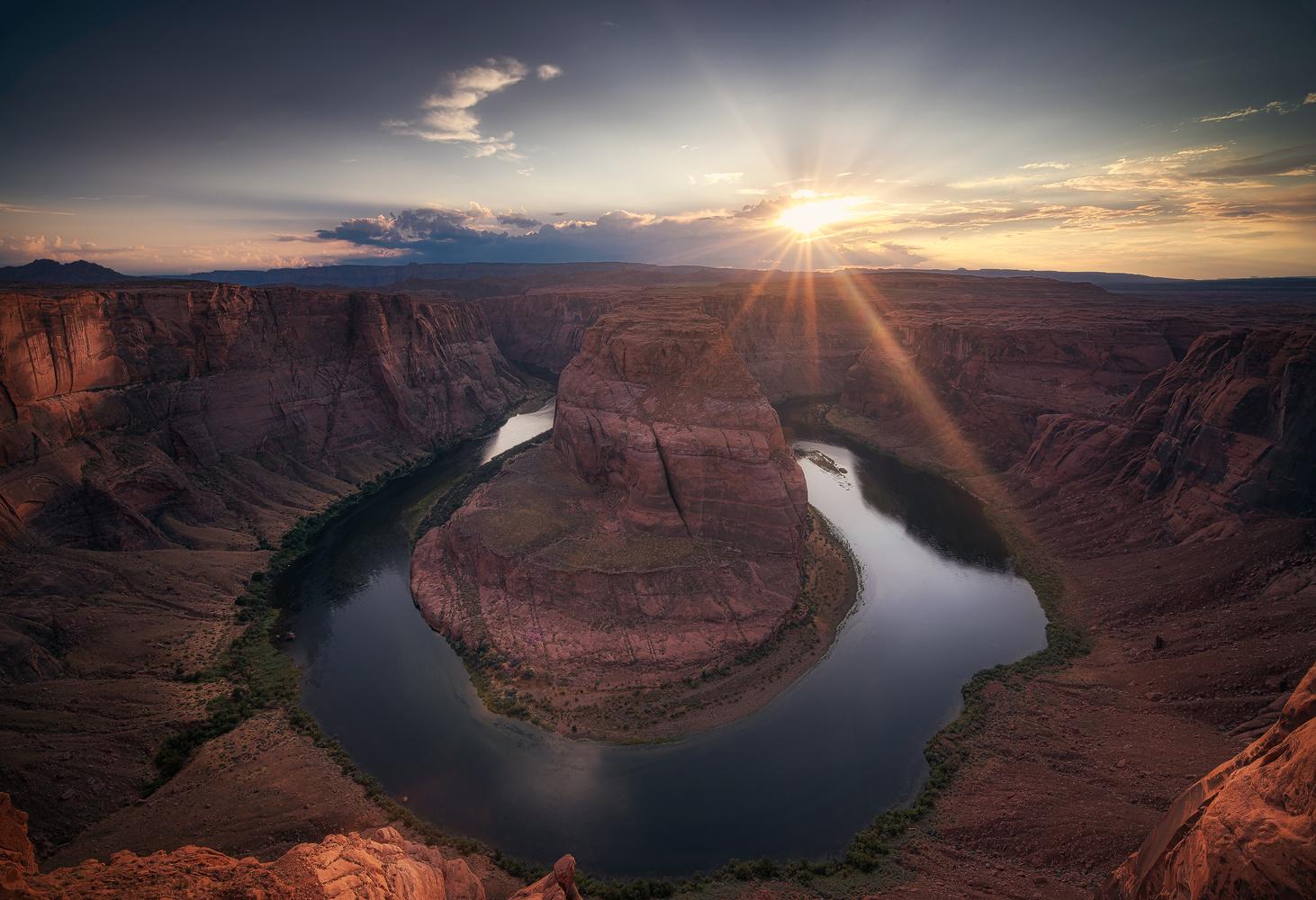 Horseshoe sunset by Efren Yanes