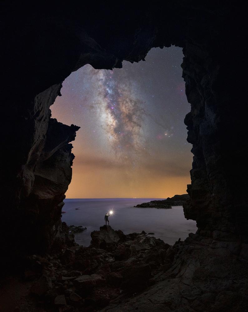Window to the Atlantic by Efren Yanes
