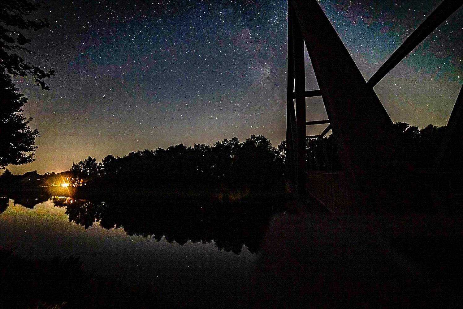 Night Time at Mittellandkanal by Sebastian Dannenberg