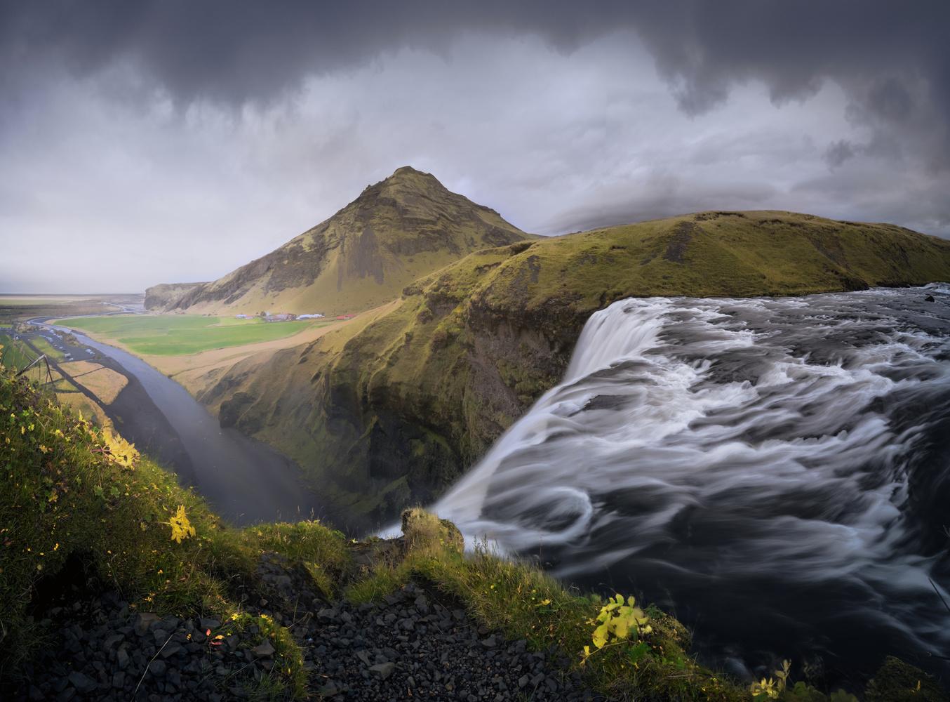 Fallingwater by Eneko Guerra