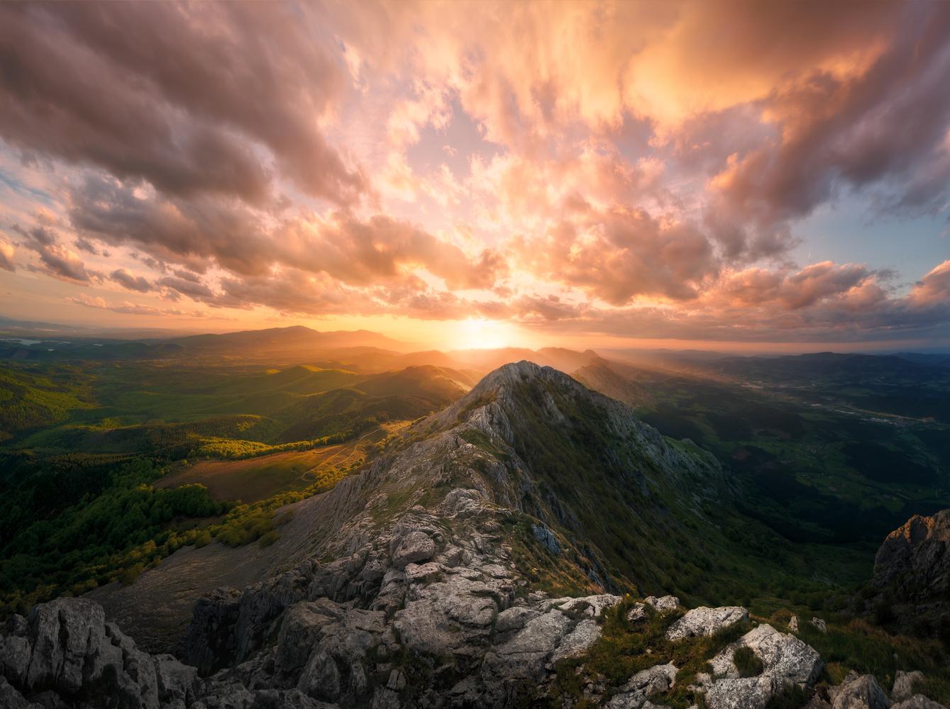Anboto peak by Eneko Guerra