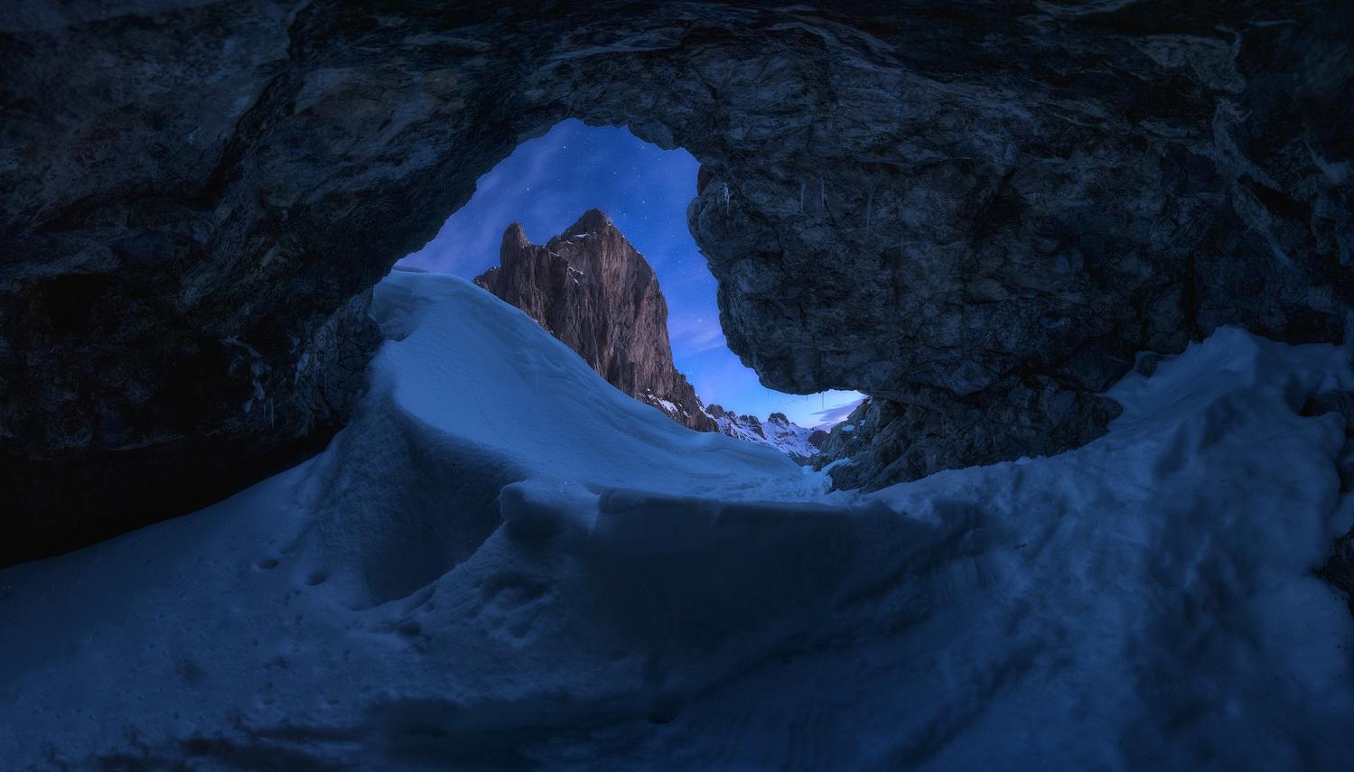 Cave by carlos gonzalez