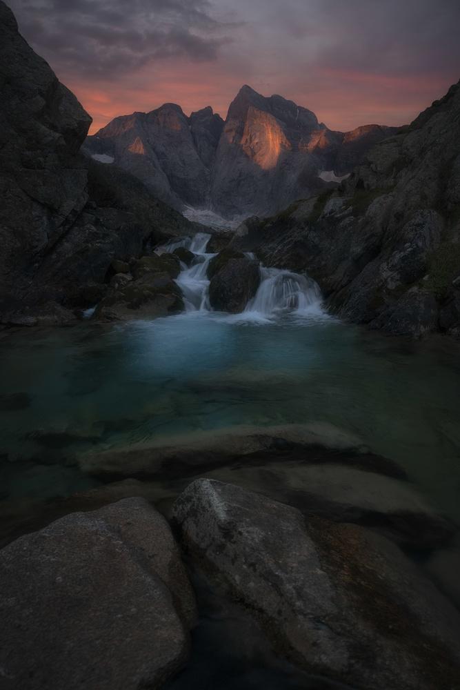 mountain by carlos gonzalez