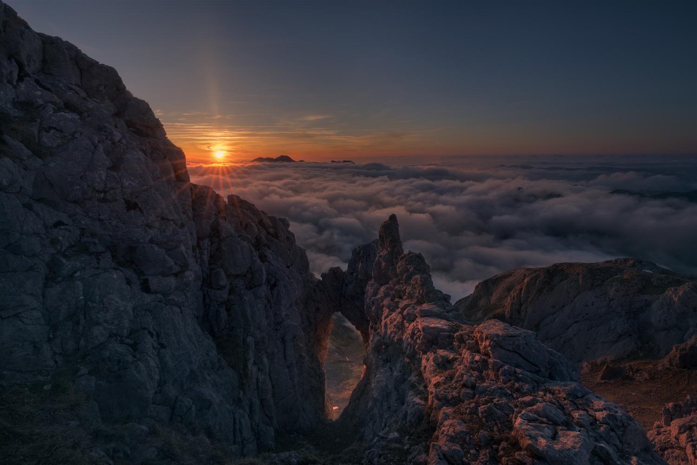 sunset light by carlos gonzalez