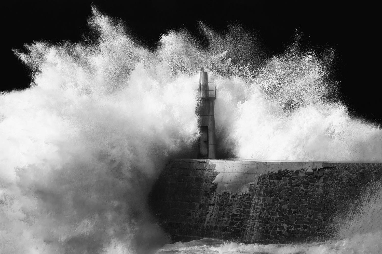 Storm by Alejandro García Bernardo