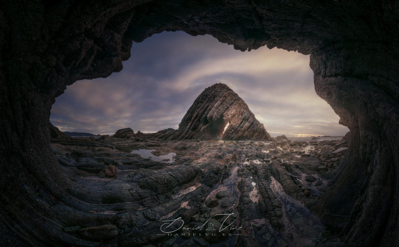 wild coast by Daniel Viñé