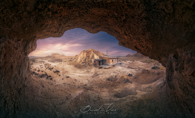 Martin's Cave Cabin by Daniel Viñé