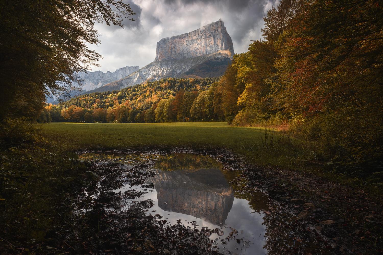 Mont Aiguille by Pablo Ruiz Garcia