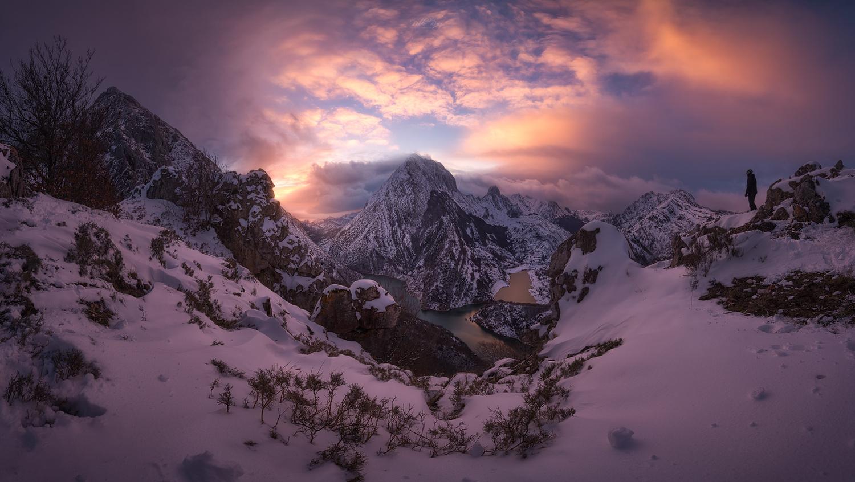 Riaño Mountains by Pablo Ruiz Garcia