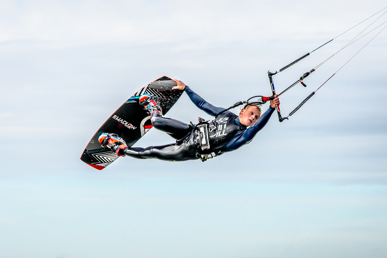 Unhooked kitesurfer by David Lok