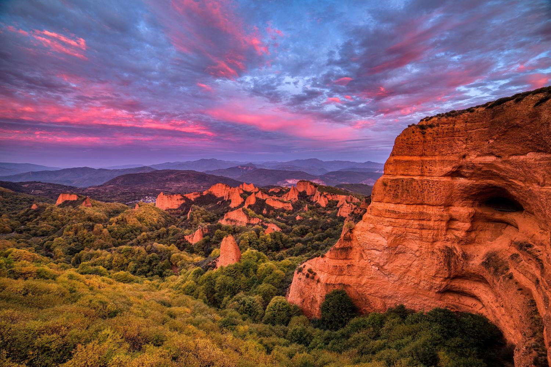 Sunrise at Las Medulas by Tiago Marques