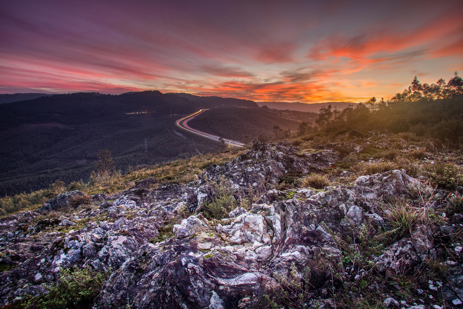 Sunrise over highway 25 by Tiago Marques