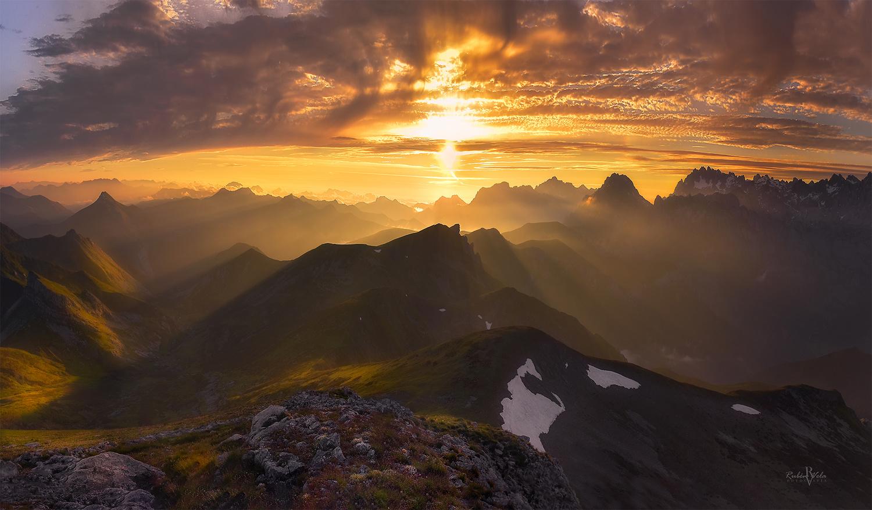 Sunset on top by Rubén Vela Martín