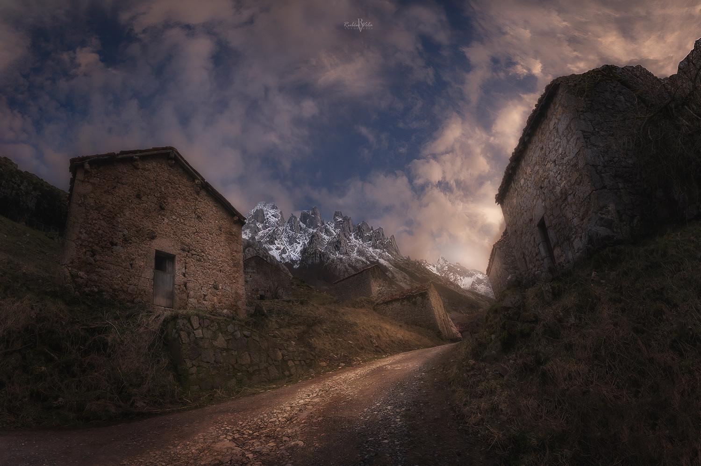 The last home of the shepherds by Rubén Vela Martín