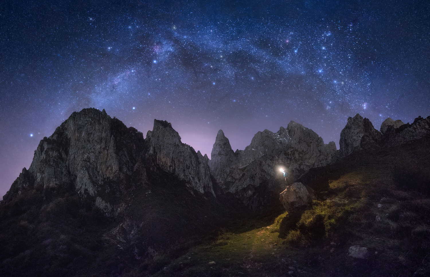 Night is the best time to believe in light by Rubén Vela Martín