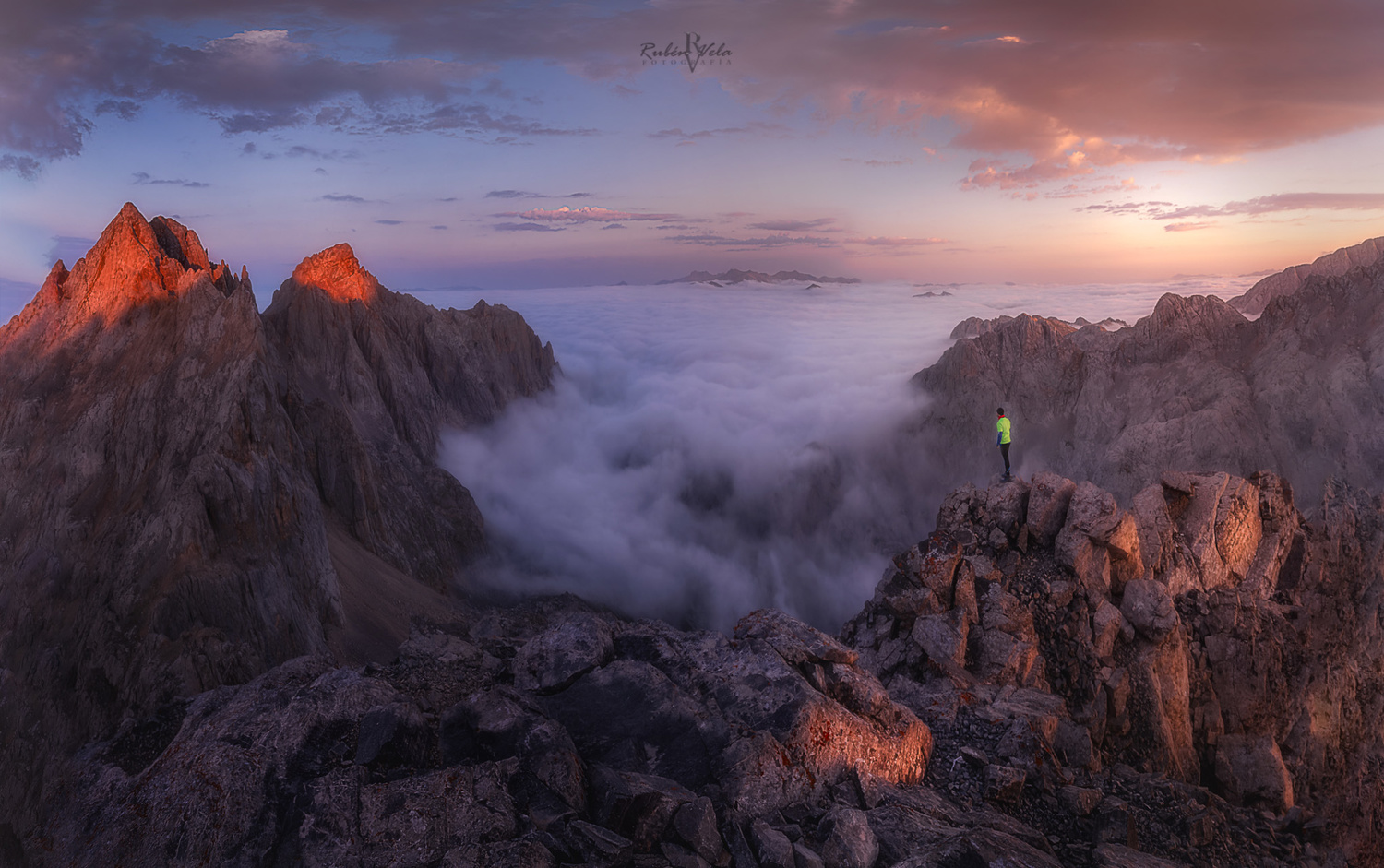 The beautiful light of the mountains by Rubén Vela Martín